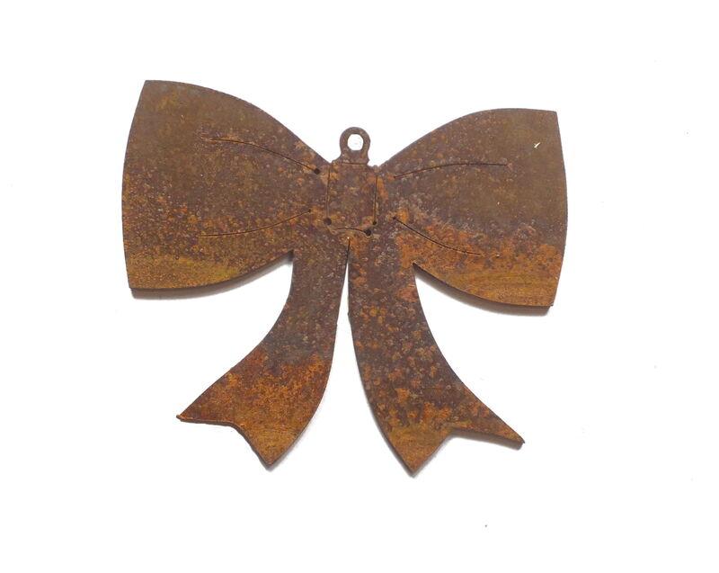 Bow Hanging Ornament Garden Art