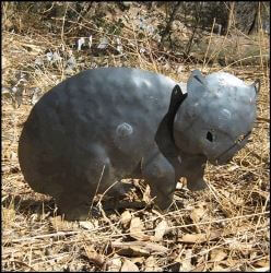 Wombat metal garden sculpture/stake